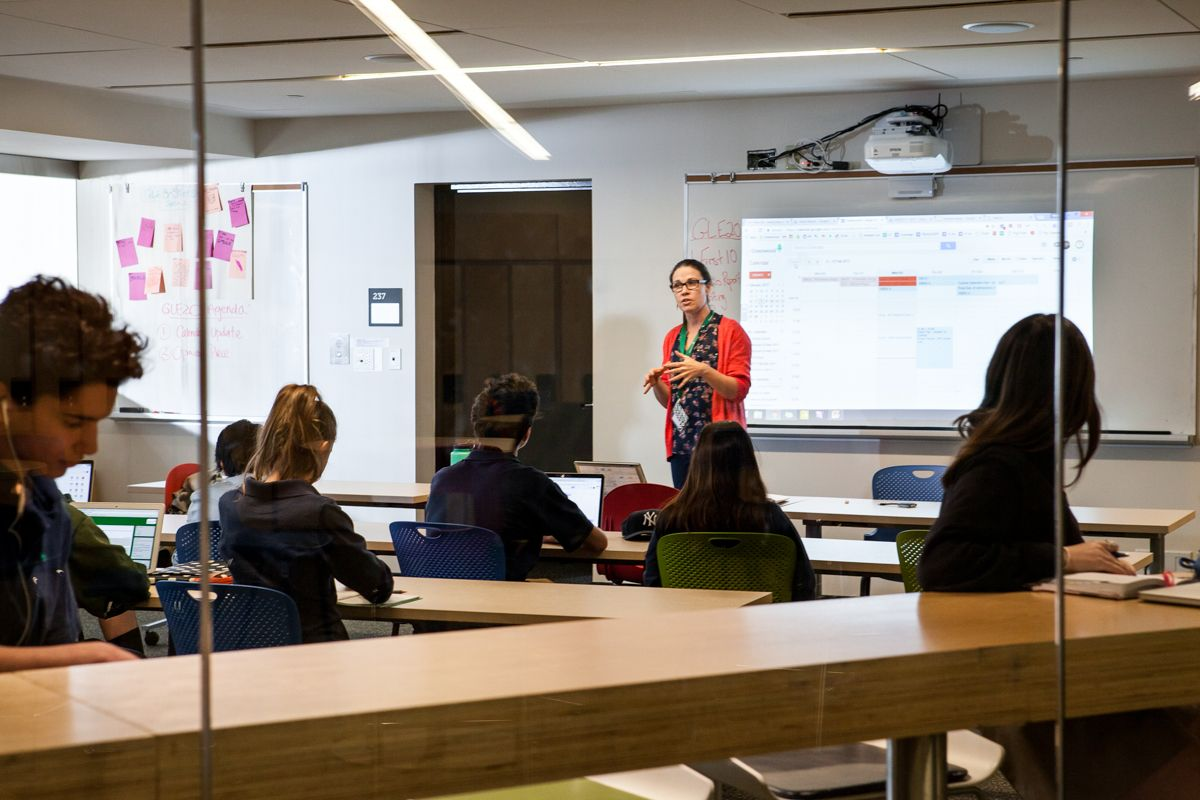The Student Success Centre helps students understand how they learn best and develop new learning skills. In addition to hosting our Learning Strategies courses, the Success Centre is open to all students before and after school and during lunchtime.