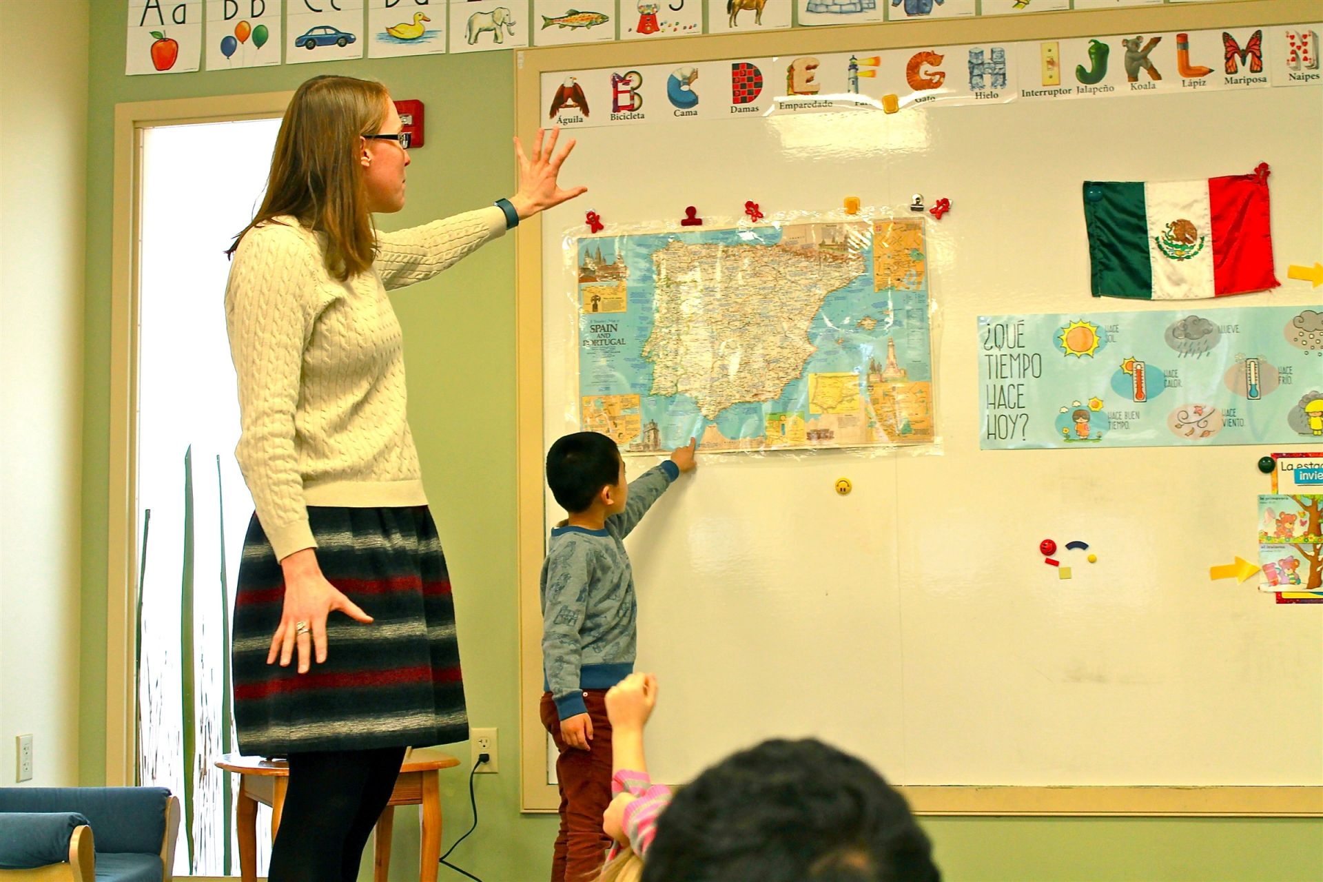 Fay's Primary School World Language program is built around the F.L.E.X. (Foreign Language Experience) approach. Beginning in Pre-K, students spend the first half of the year learning Spanish and the second half of the year learning French. They learn basic greetings and common expressions as well as basic vocabulary for numbers, days of the week, body parts, and shapes. Students also learn about the cultural traditions and celebrations of Hispanic and Francophone countries around the world.