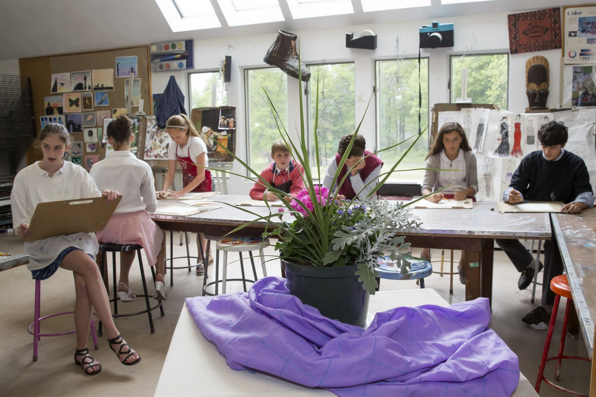 Art is a regular part of every Upper Schooler's schedule, and in addition to foundational courses in seventh and eighth grades, students have access to a range of elective options that include ceramics, painting, and printmaking.
