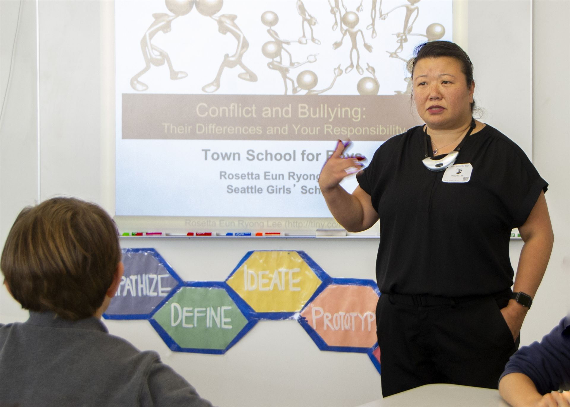 Presenter Rosetta Lee Talks with Students About Bullying