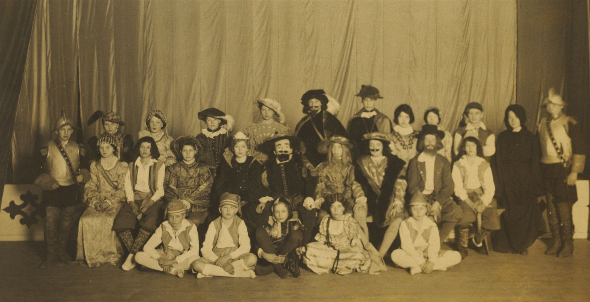 1927, Twelfth Night