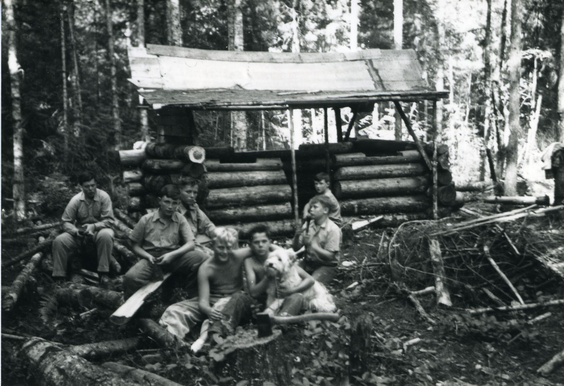 Students camping and building forts, 1948