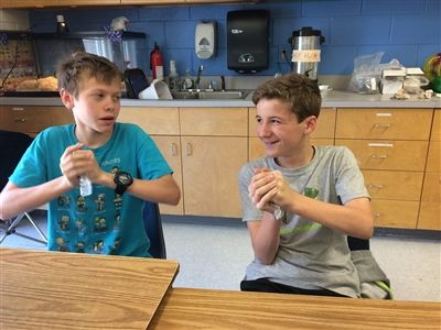 Sixth graders Participate in Rock Cycle Class Exercise