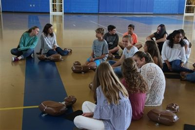 7th graders learn CPR