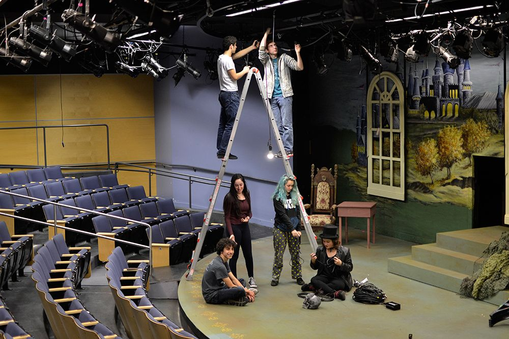 JCHS Tech crew prepares for the fall musical, Rodgers + Hammerstein's