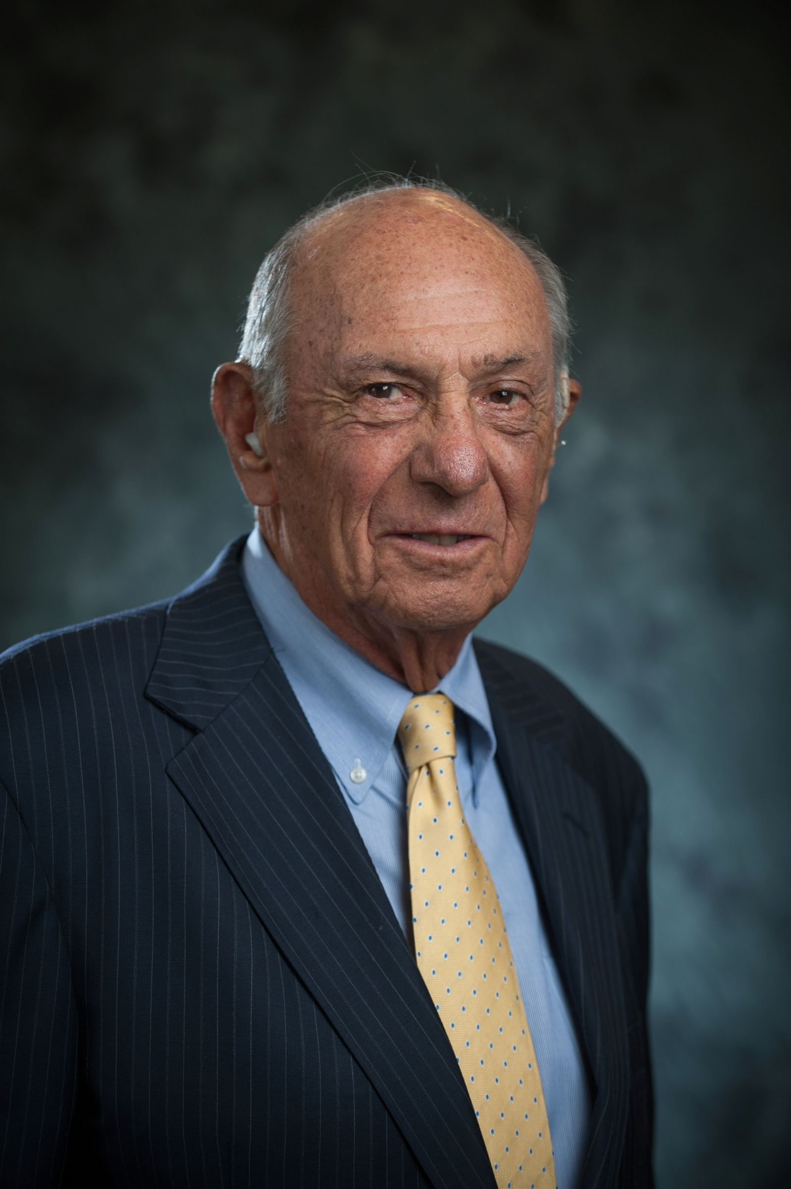 Gordon Gross '49