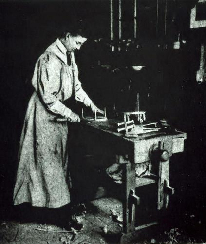 (Pratt at the wood bench, 1910)  After getting her degree from Teachers College, Pratt taught woodworking and shop to other teachers, as well as to children at Hartley House, a settlement house on the West side.