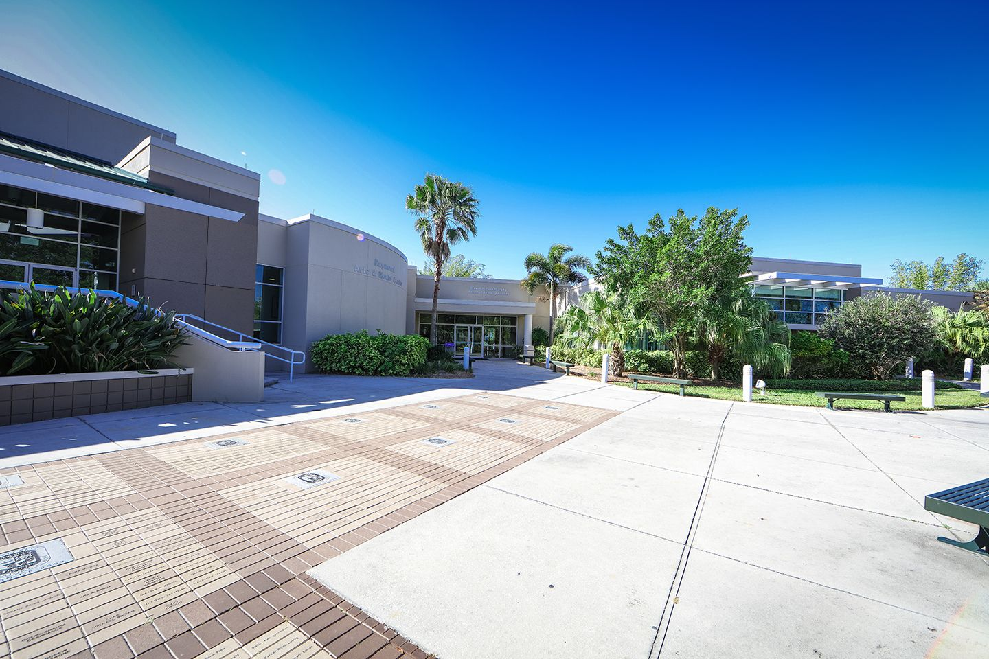 The Raymund Arts and Media Center houses the Carleen Vinal Haskell Library, our Makerspace and the Pam and David Murphy Student Activity Center; and is adjacent to the Janet Root Theatre