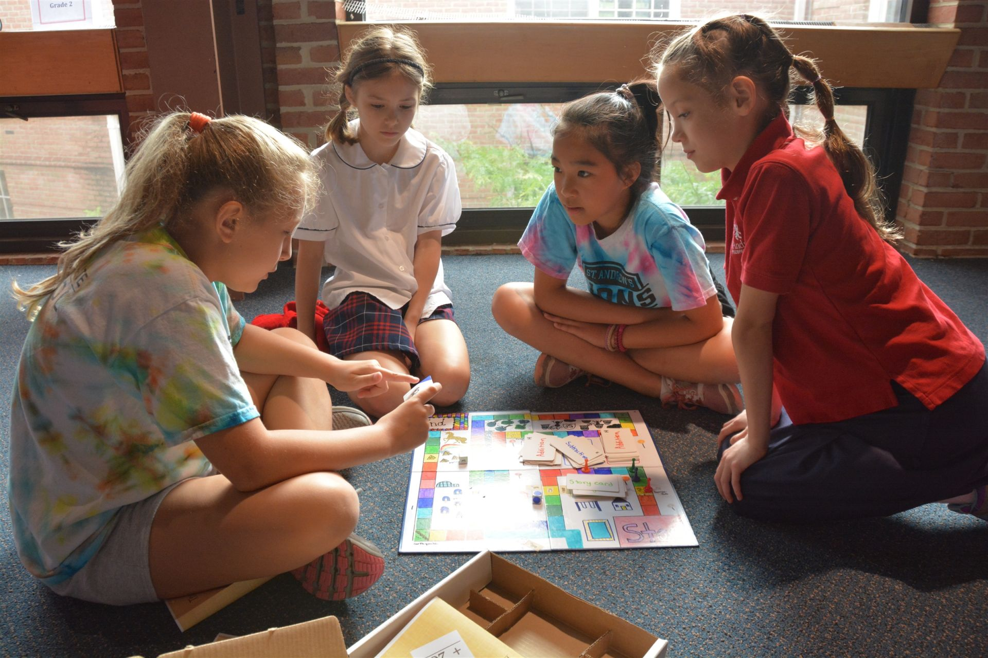 Students working together in a design-thinking project - St. Andrew's Episcopal School