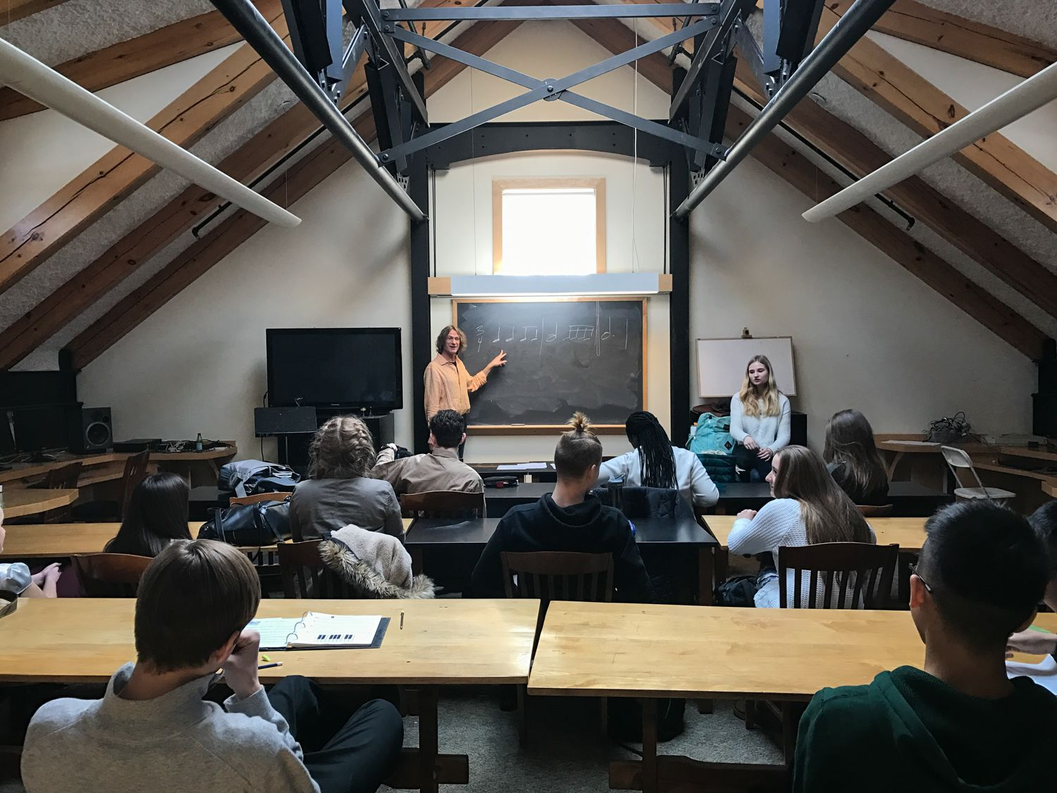 Music teacher Mark Ferguson and Senior Elsa Schloemer teach Music Theory to the freshman class. As part of her senior project, Elsa Schloemer is assisting in teaching the Music Theory class on Mondays, Wednesdays, and Fridays.