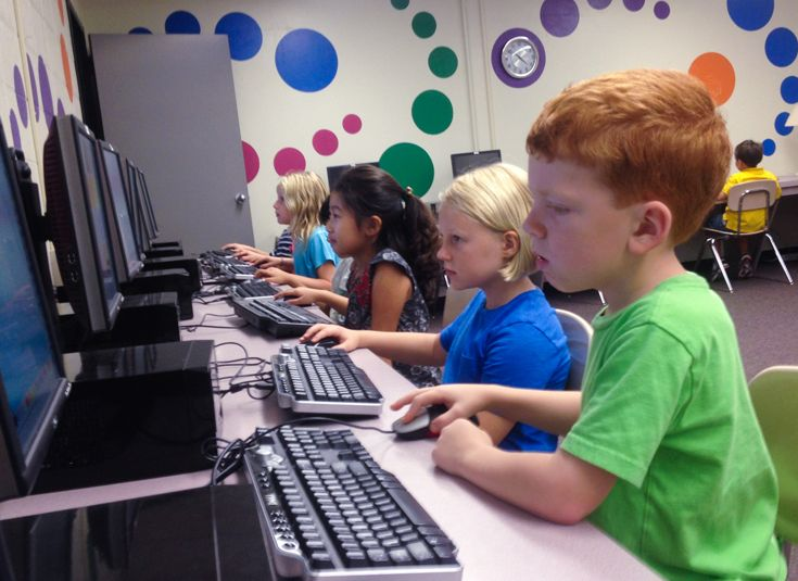 Our technology program includes classes with the Lower School Technology Coordinator in the computer lab