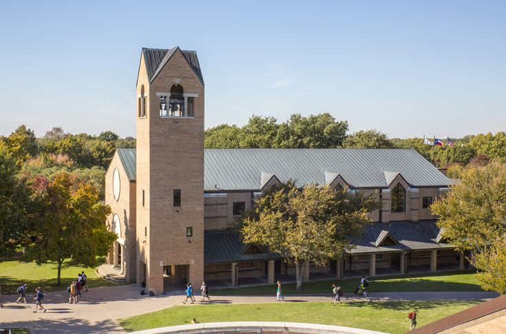 St. Mark's Chapel is perhaps the most recognizable landmark on campus. Weekly chapel services bring together all students of different faiths to share their experiences and traditions.