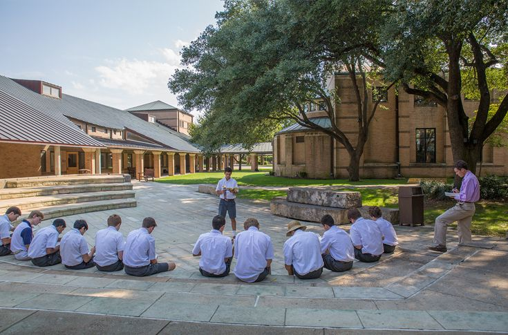 The Dallas Gordon Rupe Amphitheater is a multipurpose space where, at any time of the day, boys can be found practicing Shakespearean plays, sketching charcoal art, or lounging between classes.