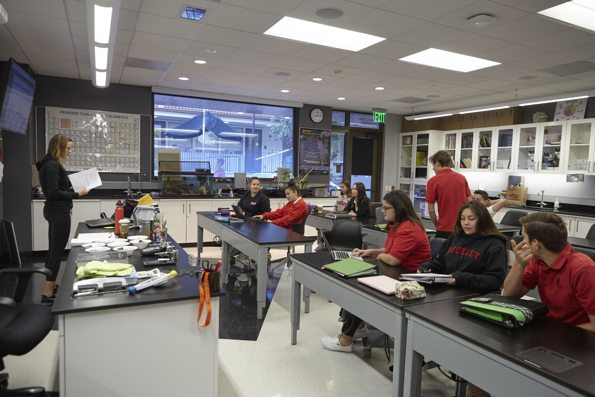 The lower level of The Math and Science Building includes Upper School physics, chemistry, and biology classrooms, as well as Middle School physical and earth science classrooms.