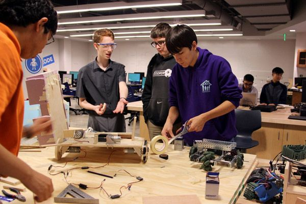 Upper School students participate in robotics club.