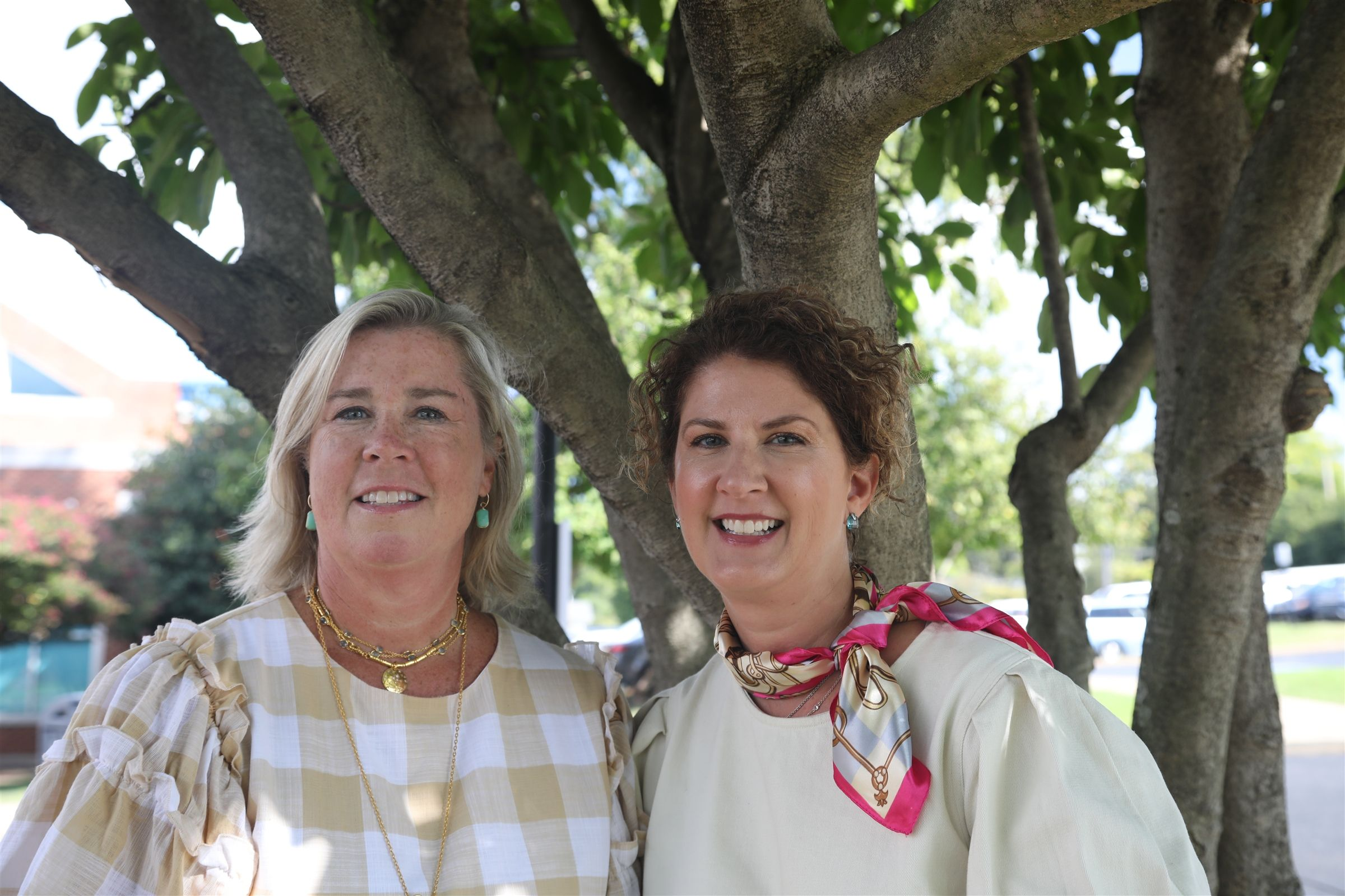 This year's Bruiser Bee co-chairs are Caroline Caulkins Bentley '83 and Jenny Johnston P '23.