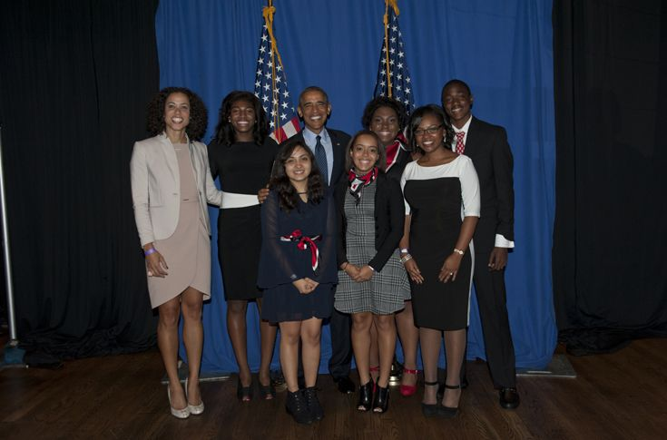 NA's Newark Scholars meet President Obama at a fundraising event in New York