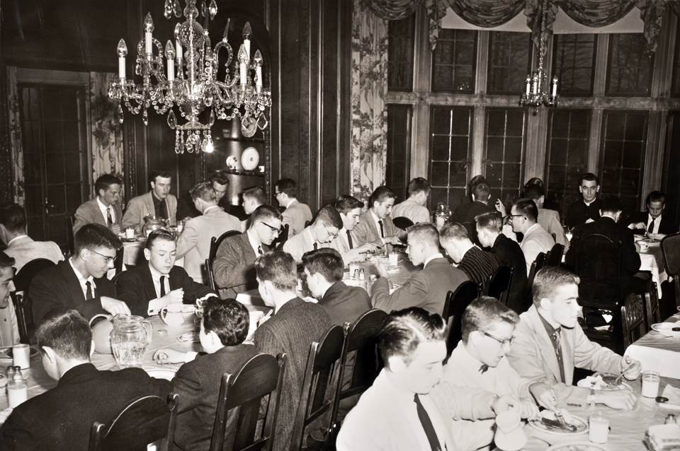 Tudor Lounge dining room 1950s