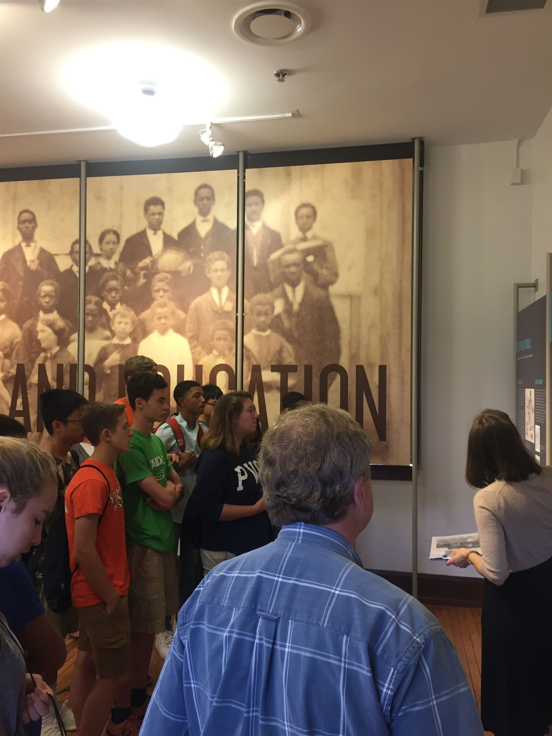 10th studies local history at Jefferson School