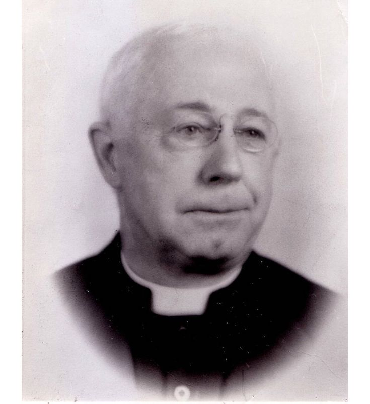 Founding pastor Fr. William Temple served from 1908 to 1939. He invited the Benedictine Sisters to form a faculty.