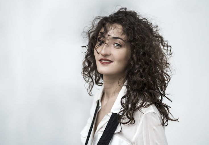 Hélène Tysman is a renowned pianist, winner of the prestigious International Chopin Piano Competition in Warsaw. She has played internationally and recently diversified her work, collaborating with a variety of artists.
