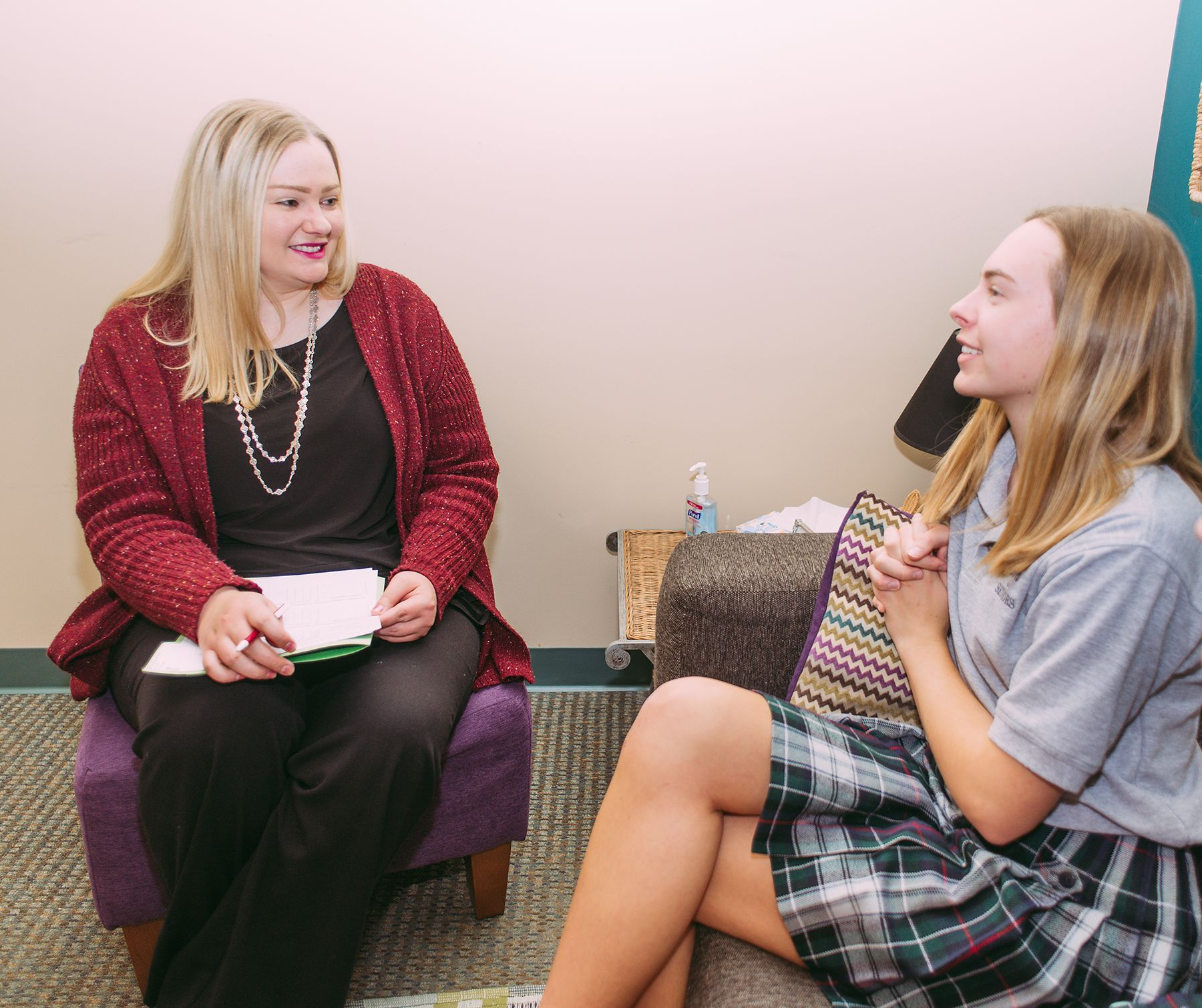 Laura Gantner counsels a CJ student