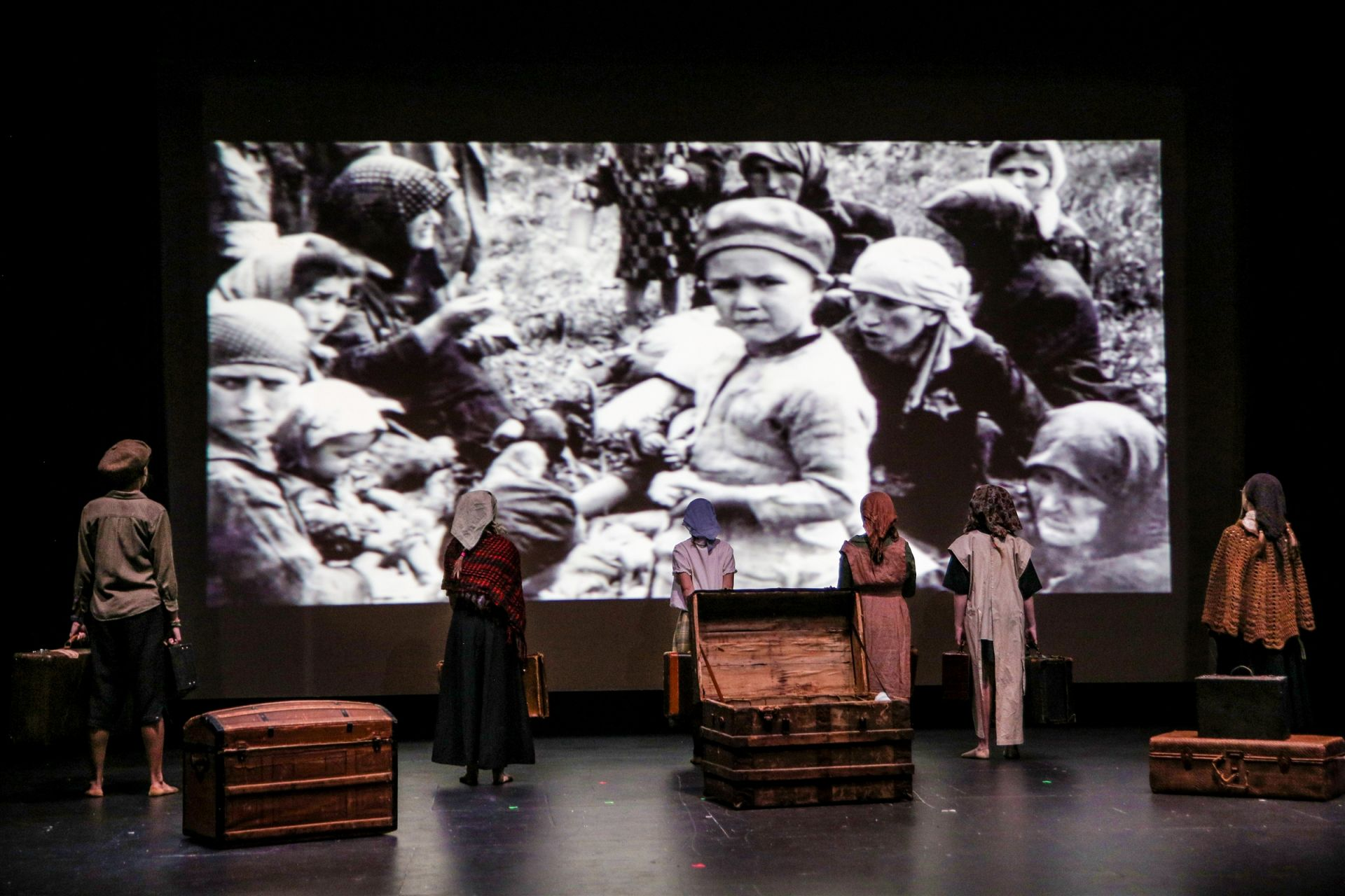 For the holocaust drama I Never Saw Another Butterfly, the Tech Crew projected powerful images