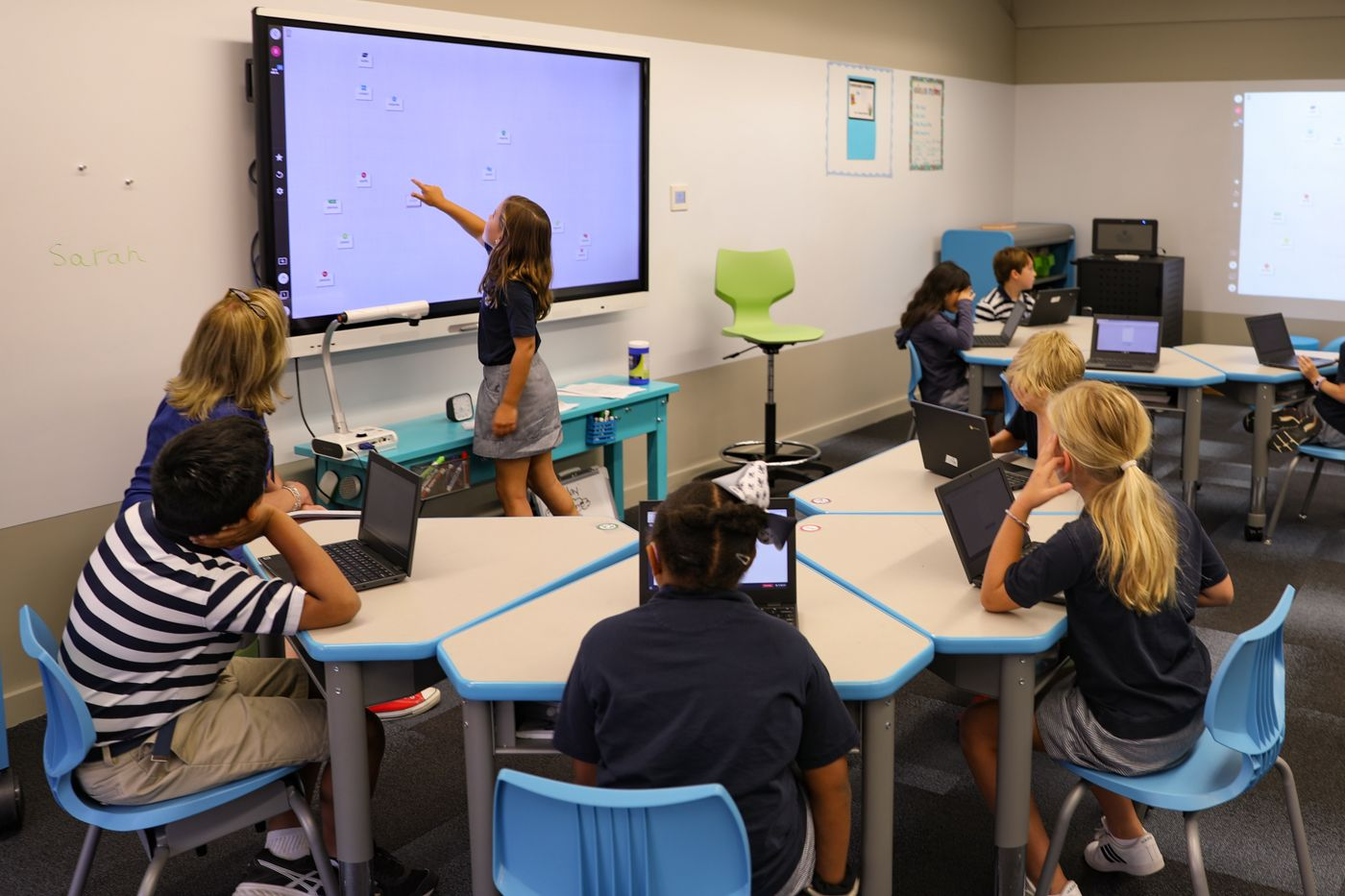 i2 Classrooms support a range of innovative, research-based technologies that bolster teaching and learning.
