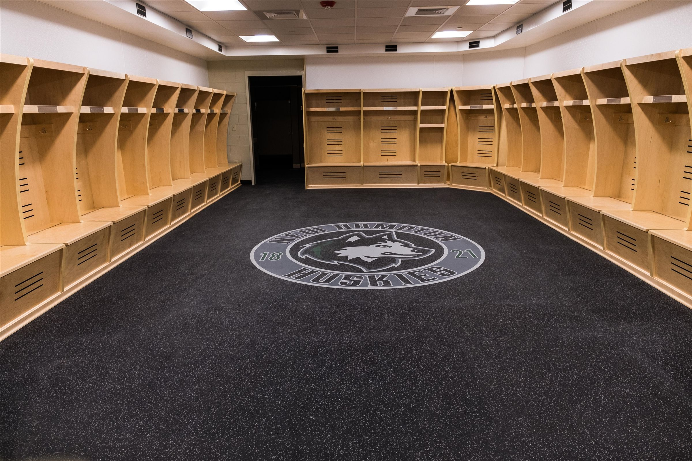 New Hampton School's state-of-the-art ice rink, Jacobson Arena complete with professional style lockerooms