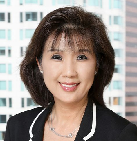 <em>Co-Managing Partner, DLA Piper</em><br>Ms. Park focuses her practice on commercial leasing transactions and has handled extensive leasing transactions for landlords as well as for tenants in office, retail and industrial settings. Her representation includes The Ratkovich Company, Maguire Partners, The Prudential Insurance Company, Rising Realty Partners and PacShore Partners, Capitol Records, and AECOM Technology Corporation. Ms. Park is extremely active within DLA Piper, where she is the Co-Managing Partner of the Los Angeles offices, a member of the firm's Executive and Policy Committees, Co-Vice Chair of the National Real Estate Practice Group, and serves on the firm's Partnership Nomination Committee. She is also a representative to DLA Piper's Leadership Alliance for Women (LAW).