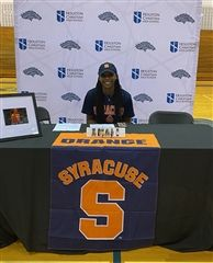 HC Senior Amani Bartlett sigh with Syracuse University to play basketball.