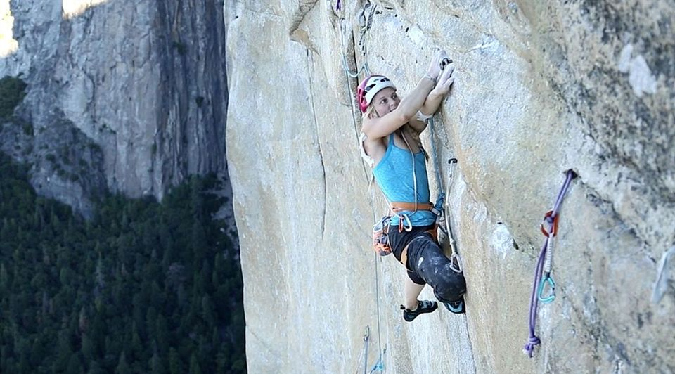Emily Harrington scaling El Capitan (from a previous climb: Jon Glassberg, CC BY 3.0, via Wikimedia Commons)