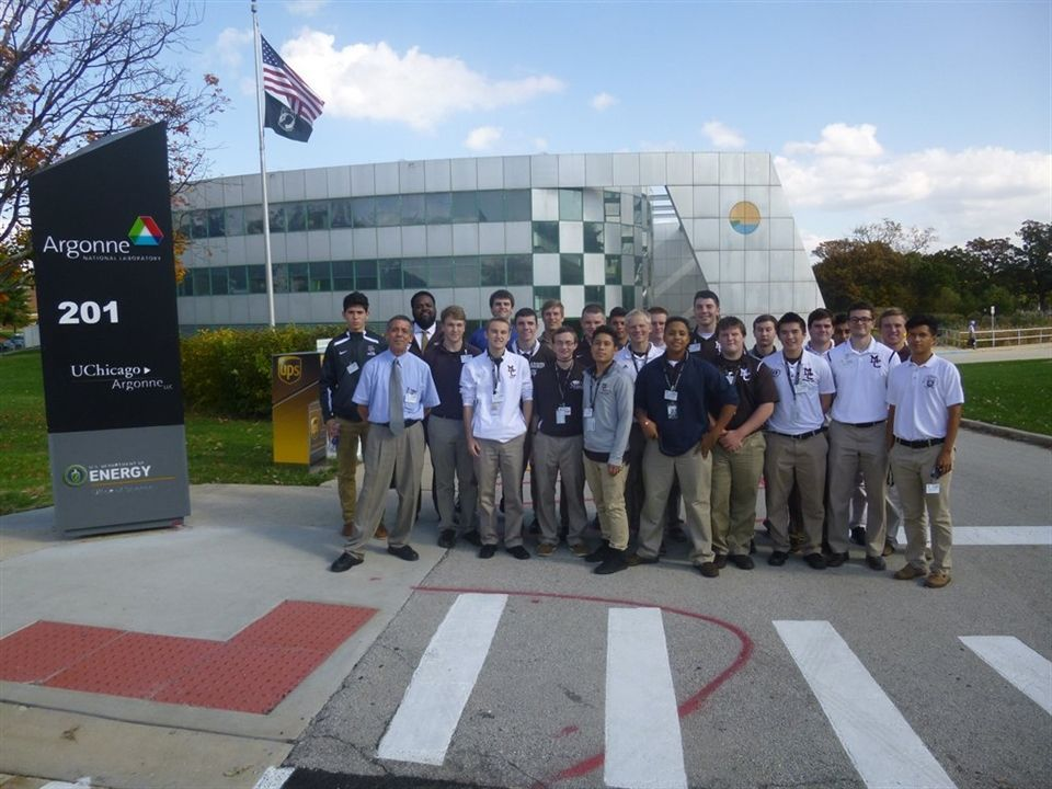 STEM students at Argonne National Laboratory, a non-profit laboratory operation by the Unversity of Chicago for the Department of Energy.