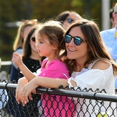 Krysta Dudley '01 and her daughter at Alumni Day 2017