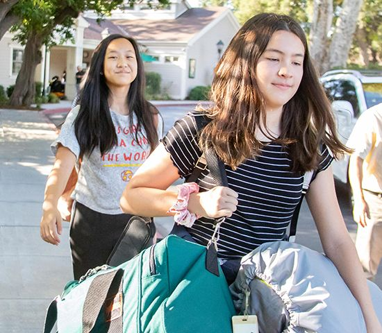 The Middle School Pali Institute trip helps students develop independence, problem-solving, leadership, confidence, and more!