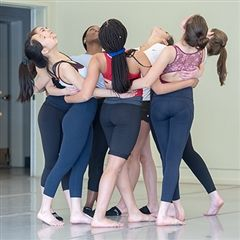 Thacher Dance Ensemble in a circle