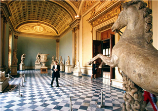 12 Famous Museums Offer Virtual Tours