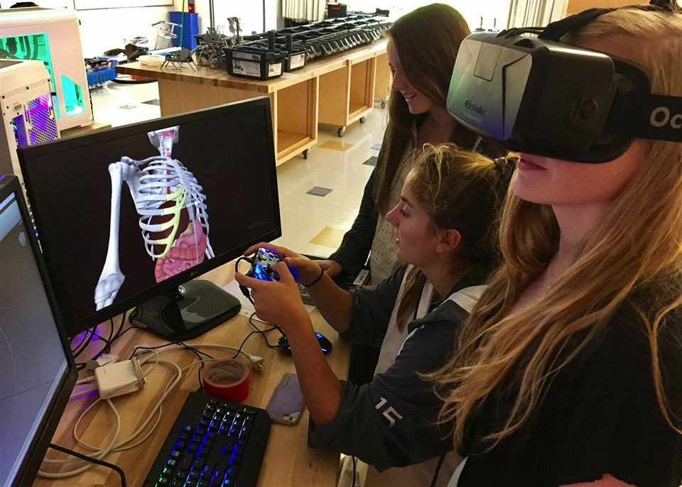 Virtual Reality Anatomy lesson at Collegiate School