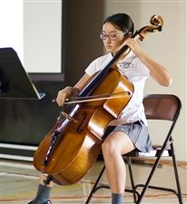 Kelly K. '19 beautifully performed J.S. Bach's Cello Suite No. 1 in G Major for the community