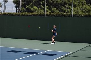 b2344463246e JV Tennis Wins on the Road