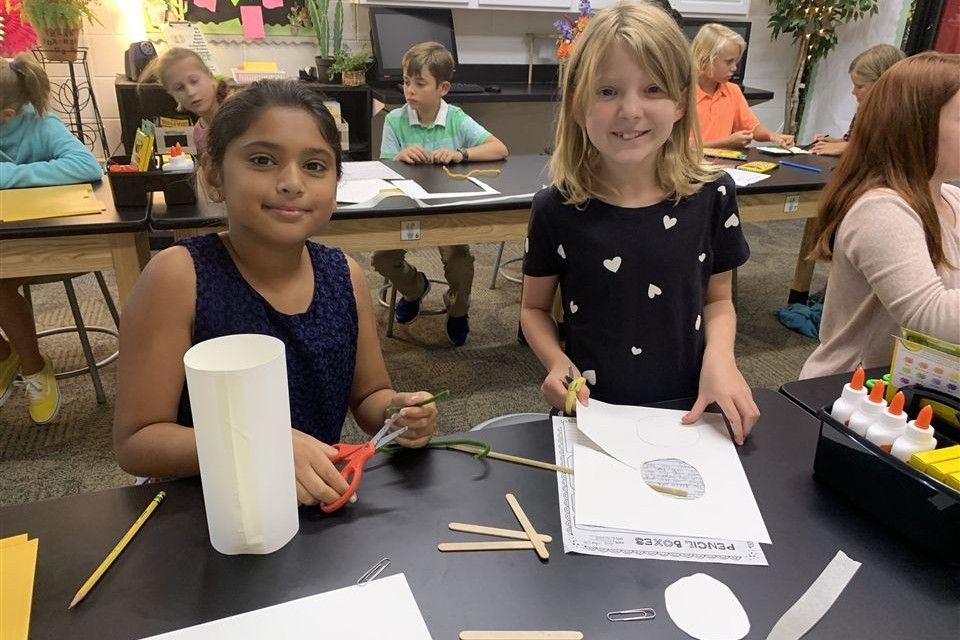4th Grade Science Students use design and engineering skills