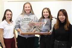 Mackenzie W. '21, Abby A. '20, Susannah M. '21, and Tina L. '22 created a model of a cheetah, displaying its skin, skeleton, and digestive organs.