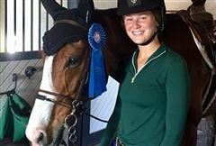 Anna N. '18 and Hope Town with a clear round blue from a 1.10m class at WEF.