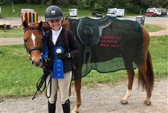 Emma P. '21 had a successful showing at both weeks of the Premiere Horse Shows in Lexington, VA.