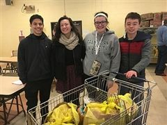 ND Students Volunteer at Local Food Pantry (Photo courtesy of The Monitor.)
