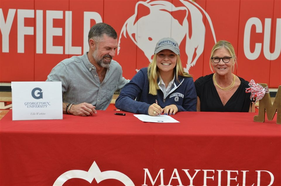 Ellie Watkins '19 signs her letter of intent to play volleyball at Georgetown University