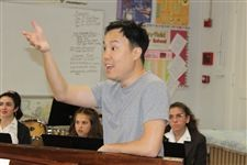 Renowned countertenor Jeffrey Kim conducts master class for Vocal Conservatory
