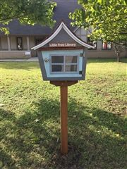 Last fall, Fall Book Frenzy and parent volunteers planted this Little Free Library at St. Luke's Community House in North Nashville.