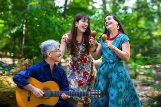 "Alisa Amador '14 and Family Discuss their Album ""En Vivo, En Familia!"""