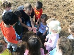 Hamden Hall's newest partnership with Edgerton Park is abundant in natural resources to the delight of our youngest learners.